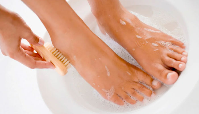 Lava tus pies a diario